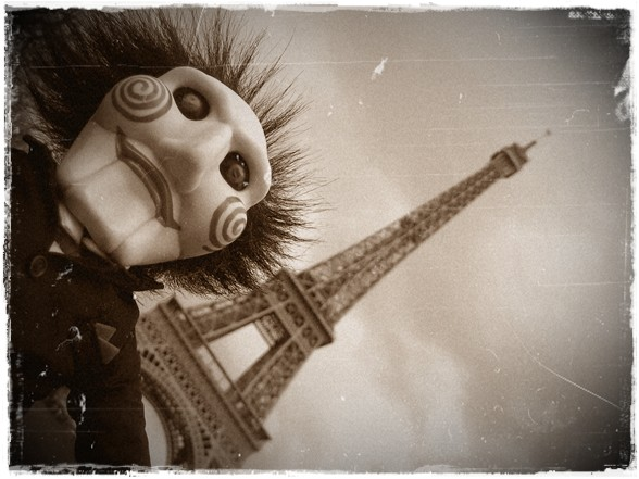 horace-saw-and-the-eiffel