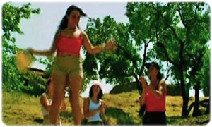 Ateşli Kızlar Kampta003