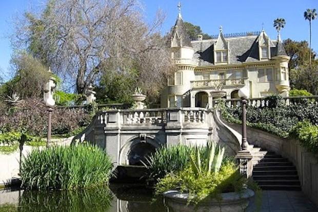 Ziyarete Açık Garth Manor
