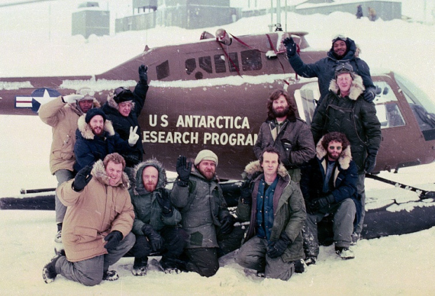 Cast_shot_promotional_image_-_The_Thing_(1982)